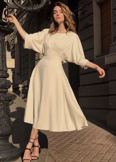 7 Chic Ways To Dress Like a French Women. How to style your clothing to achieve the classic Parisian chic look - 7 Chic Ways to Dress like A Parisienne - Joanna Rahier Chic Dress, Classy Dress, Classy Outfits, A Dress, Dress Lace, Chic Outfits, Dress Sleeves, Fall Outfits, Summer Outfits