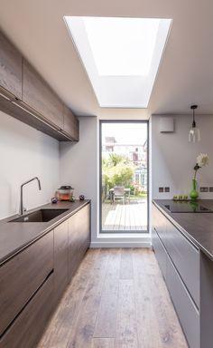 Floor To Ceiling Windows Flooding Interiors With Natural Light #Floor #Windows #InteriorDesign #HomeDecor #HomeDesign #FloortoCeilingWindows #Livingroom #Kitchen