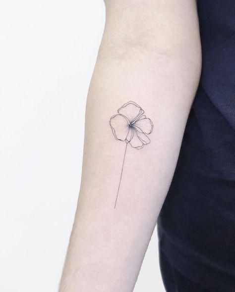 Onelinetattoo Onelinetattoo Onelinetattoo Onelinetattoo In 2020 Mohnblumen Tattoo Kleine Tattoos Kleine Tattoo Ideen