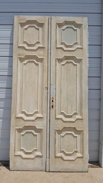 Pair Of Panel Doors With Detail In 2020 Panel Doors Barn Door Designs Antique Doors