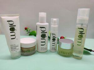 Plum Green Tea Range For Oily Acne Prone Skin Review Recommendations In 2020 Acne Prone Skin Green Tea Moisturizer Green Tea Toner