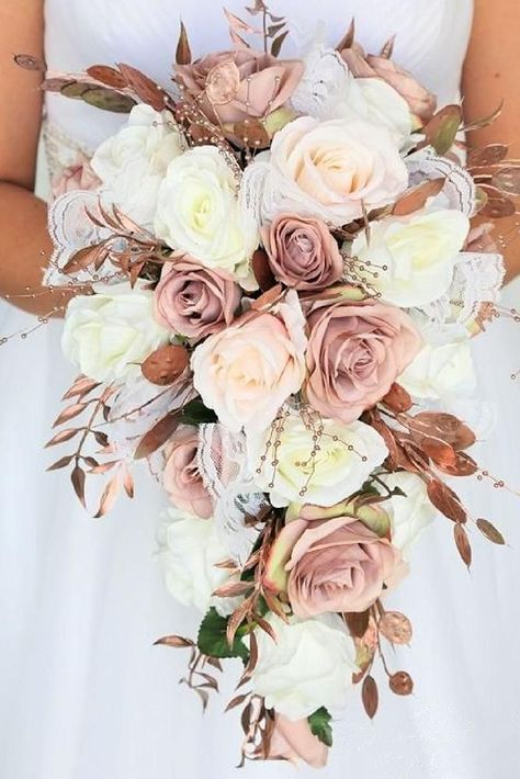 The dusty roses of the rose gold wedding flowers blush the pink roses, the tears cascade . The dusty roses of the rose gold wedding flowers blush the pink roses cascading tears, the Blush Pink Wedding Flowers, Dusty Rose Wedding, Fall Wedding Bouquets, Blush Roses, Bride Bouquets, Floral Wedding, Rose Gold Weddings, Gold Bouquet, Rose Gold Wedding Dress
