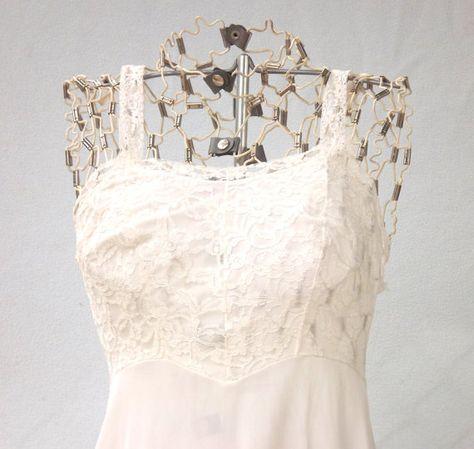 White Slip, White Lace Slip, Vintage Womens Slip, White Full Slip, Size Small 32 B, 32B, Knee Length
