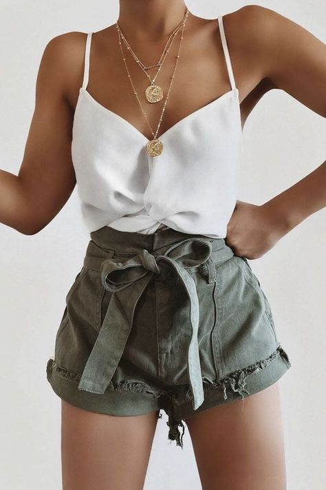 25+ Trending Summer Outfits You Will Love #summer #outfits #summeroutfits #summerfashion #summerstyle