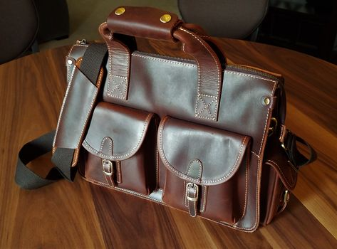 Product Review: Essential Genuine Leather Laptop Bag