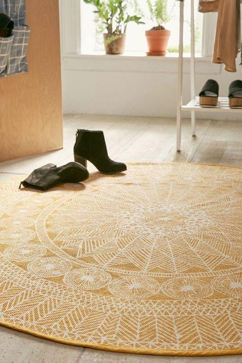 Teppich Rund 40 Innendesigns Mit Rundem Teppich Die Sehenswert Sind Teppich Gelb Runde Teppiche Und Teppich Flur