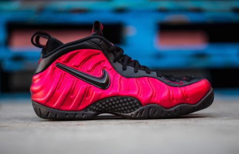 "c328322784f ... THE SNEAKER ADDICT Nike Foamposite Pro ""Spider Man"" Sneaker Available  Now (Detailed Look ..."