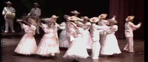 BUNDE El bunde chocoano es un tipo de música folclórica de Colombia, específicamente del departamento del Chocó. Se trata de una danza cuya coreografía difiere del currulao a pesar de ser interpretado por los mismos instrumentos.  Como ritmo musical ancestral y propio de los nativos de América está muy extendido entre las comunidades nativas como Catios y Embera, descendientes directos de la cultura indígena americana conocida como Tumaco. Los afrocolombianos la aprendieron de los nativos…