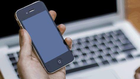 برنامج نقل الصور من ايفون الى ايفون عن طريق الوصله Iphone Galaxy Phone Samsung Galaxy Phone