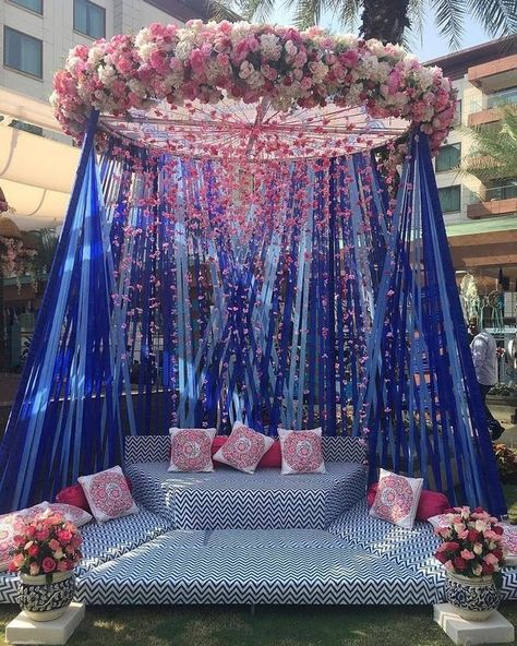 Let's jump to the list of off-beat Mehndi ceremony decoration ideas, that will lit up your decor in the best way, unique mehndi decor ideas Desi Wedding Decor, Wedding Stage Decorations, Wedding Mandap, Wedding Receptions, Wedding Parties, Wedding Ceremonies, Blue Wedding, Trendy Wedding, Spring Wedding