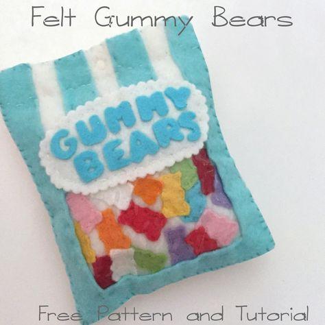 Felt Gummy Bears - free felt food tutorial, pattern for bag of snacks Felt Diy, Felt Crafts, Comida Diy, Felt Food Patterns, Felt Patterns Free, Sewing Crafts, Sewing Projects, Bear Felt, Felt Cupcakes
