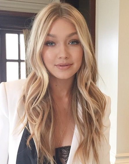 Warm Blonde Hair Shades Perfect For Brightening Your Locks This Spring Hair Styles Hair Beauty Hairstyle
