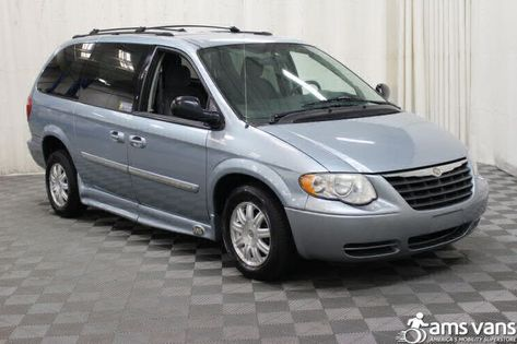 Salvage 2017 Dodge Grand Caravan Braunability Van For Sale