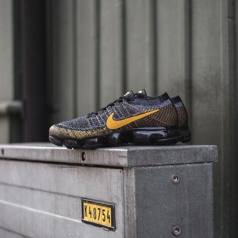 5d00c296 Release Date : February 8, 2018 Nike Air VaporMax Flyknit Black / Grey/ Mineral  Gold Credit : Sneakersnstuff