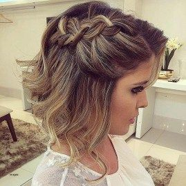 45 Wedding Hairstyles For Short Hair Best Haircut Style For Men Women And Kids Trending In 2021 Short Wedding Hair Short Hair Updo Guest Hair