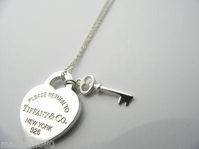 Overview Offered For Sale Is A Fantastic And Very Pretty Return To Tiffany And Co Silver Heart Key Necklace Heart Key Necklace Heart Key Pendant Key Necklace