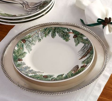 Evergreen Wreath Dinner Plate Set Of 4 Christmas Dinnerware Holiday Dinnerware Christmas Dinnerware Sets