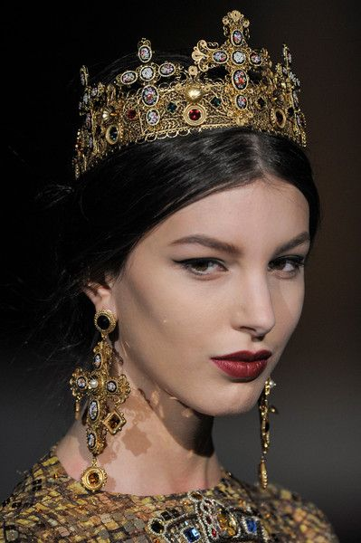 View the Dolce & Gabbana Fall 2013 RTW show. See photos and get The Cut's perspective on the Dolce & Gabbana RTW collection