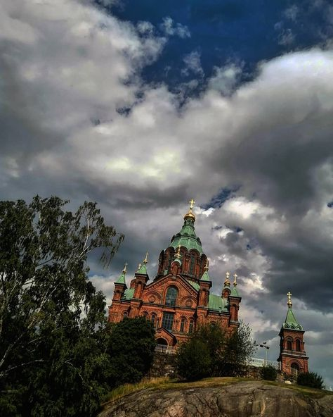 Uspenski Cathedral (Успенский собор) claimed to be the largest orthodox church in Western Europe. It is dedicated to the Virgin Mary. Designed by theRussian architectAleksey Gornostayev. The cathedral was built 1862–1868 after Alekseys death. . . . #helsinki #uspenskicathedral #alekseygornostayev #finland #