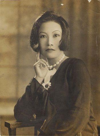 항일, 여성운동의 길을 걸은 여류 문인. 1929년 조선일보 신춘문예에 단편소설 '나의 어머니'로 당선되어 우리나라 신문 신춘문예 여류작가 1호가 되었다.