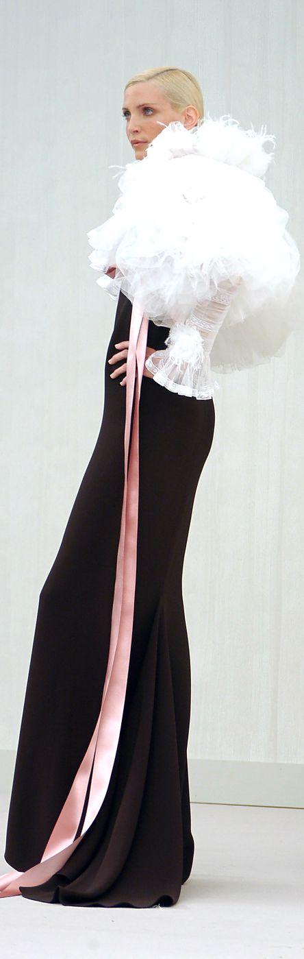 Glamour gowns / karen cox. Chanel .