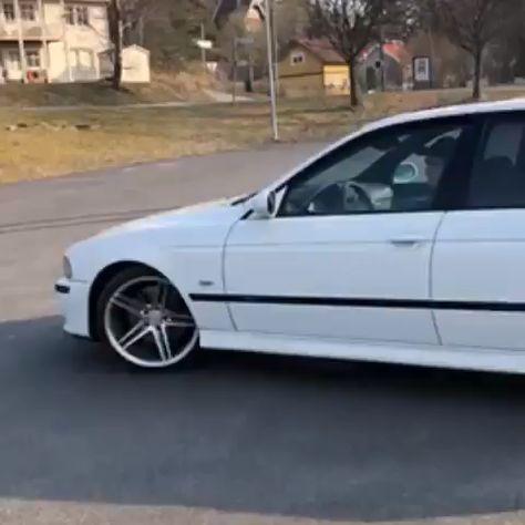 BMW E39 M5 Burnout Drift Donuts