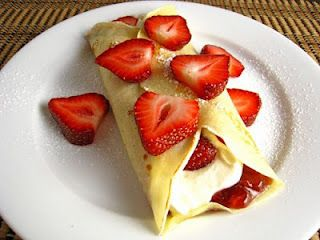 Crapes just made these by the exact directions absolutely delicious but I added ground cinnamon to the cream :)