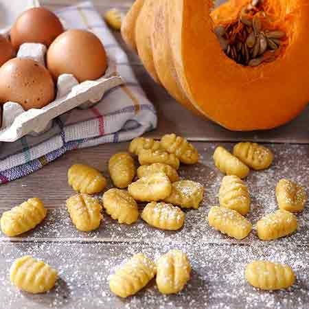 Ricette Bimby Gnocchi Zucca.Fragole Con Crema Al Mascarpone Ricette Bimby Ricette Ricetta Gnocchi Di Zucca Idee Alimentari