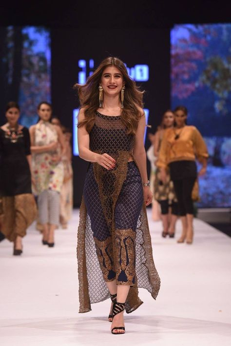 #Fashion #Style #Ethnic #IndianWear #Bollywood #Tollywood #DesiFashion #DesiGirl #Beautiful  #ethnic♥️forever #dupatta #dupattapattern