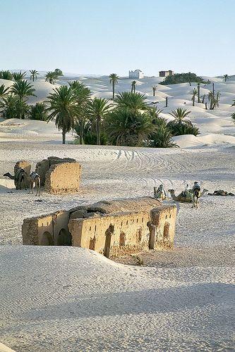 By Alain Bachellier in flickr. Zaafrane, close to Douz, Tunisia.
