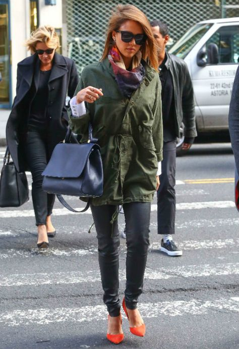 Nicole Kidman  Δύο μίνιμαλ κομμάτια απογείωσαν το στιλ της  2b2d3ae1834