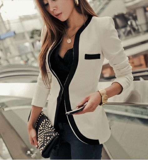 THIS BLAZER! Collarless blazer for your business and casual look.