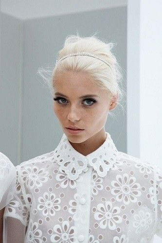 Try A Headband - Platinum Blonde Inspiration: Easy Styling Ideas To Try This Summer - Photos