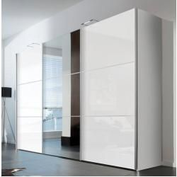 Kleiderschranke Mit Spiegel In 2020 Verspiegelte Garderobe Kleiderschrank Mit Spiegel Und Wohnzimmermobel Modern