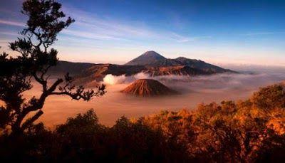 33 Foto Pemandangan Indah Di Dunia 10 Gunung Terindah Paling Menakjubkan Di Dunia Metropolitan Id Download 50 Tempat Terindah Di 2020 Bepergian Pemandangan Dunia