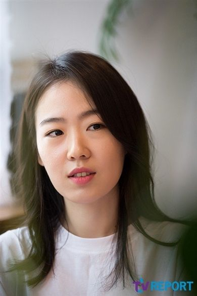 Joo Min Kyung (1989)(born South Korea, birth name 주민경 ) is a