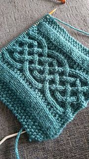 Here we have a pattern for a lovely scarf which incorporates the beautiful work of the Celtic Ropes Cable. I have knitted mine using a marl shade of green which I really enjoy personally. You can however use whichever color you wish as long as you keep the weight of the wool the same.