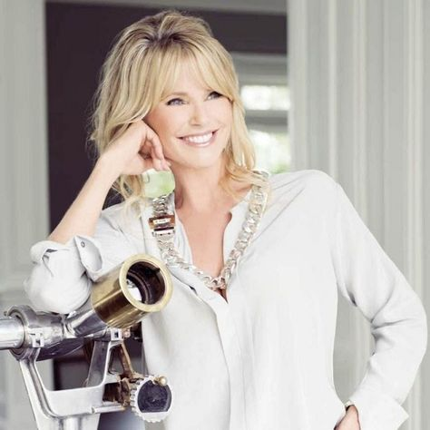 While her early years were spent in bustling citiesworking as one of America's leading supermodels, Christie Brinkleyprefers to live the quiet life in atraditional...