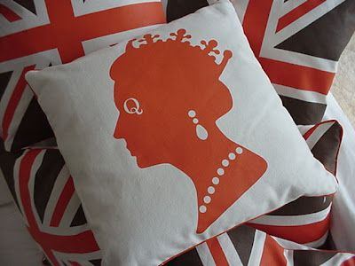 Coral reef coloured Queen of England!