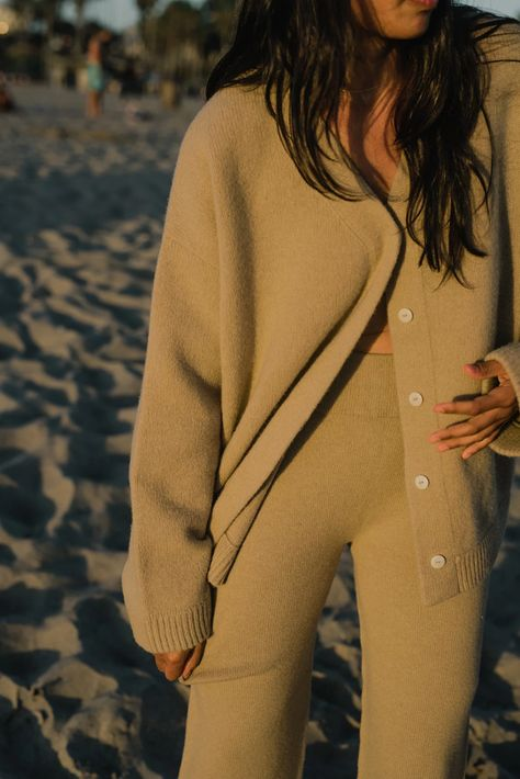 Oversized Wool Cardigan – James Street Co Source by sttca cardigan outfits Lounge Outfit, Lounge Wear, Wool Cardigan, Oversized Cardigan, Look At You, Spring Outfits, Knitwear, What To Wear, Neutral