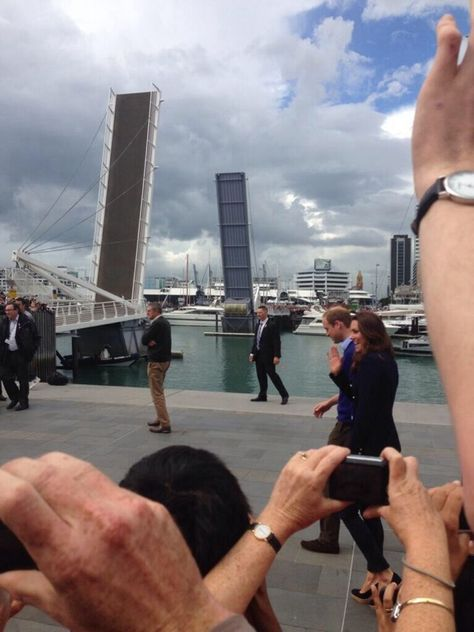 @KatieHates: Arriving at the Viaduct #RoyalVisitNZ #RoyalTourNZ (please credit) #auckland