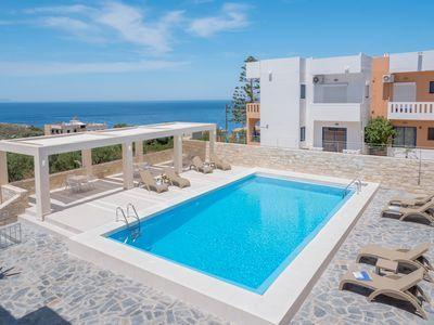 Villa Alexander 2 Schlafzimmer Apartment In Der Nahe Von Strand Mit Meerblick Und Pool Villa Ferienwohnung Balkon Grill