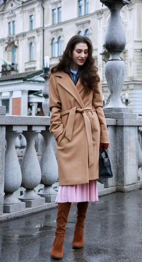 c5670d26ef3 Fashion Blogger Veronika Lipar of Brunette from Wall Street wearing elegant  outfit