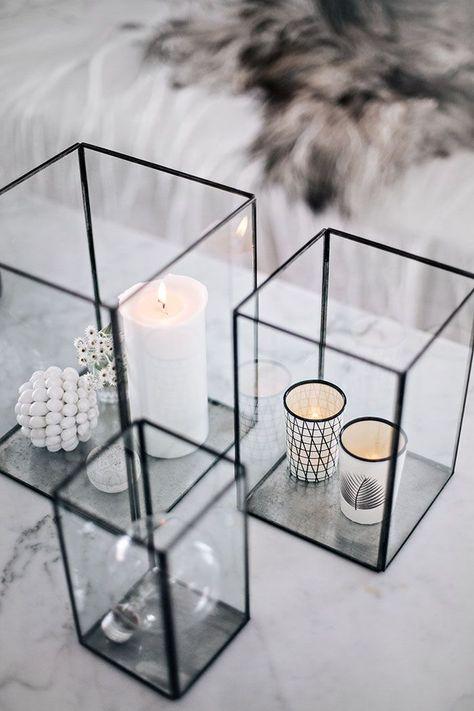 Ljus i vardagsrummet och vita golv | Helt enkelt | Scandanavian & Natural | Modern Home Interiors | Contemporary Decor Design #inspiration #nakedstyle