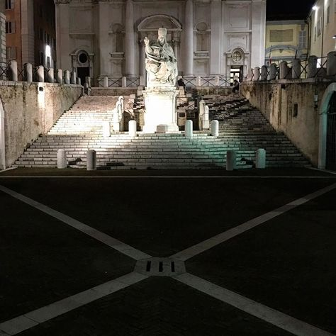igersitalia The pope. #oldtown #pope...