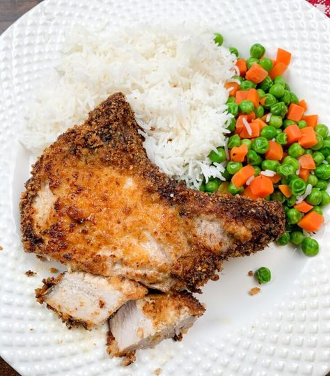 Pork chops in the air fryer are a tender and delicious dinner that is easy to make, filling, and nutritious. If you're looking for a flavor-filled meal for your entire family give these air fryer pork chops a try, I promise y'all will love them. #ad #sponsoredpost #WisconsinPork #USAPork #porkrecipes #porkchopsmeals #porkchoprecipeseasy #slowcookerporkchops #porkchopsrecipesbest