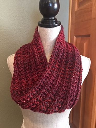 Ravelry: Simple Rib Stitch Cowl pattern by Louis Chicquette