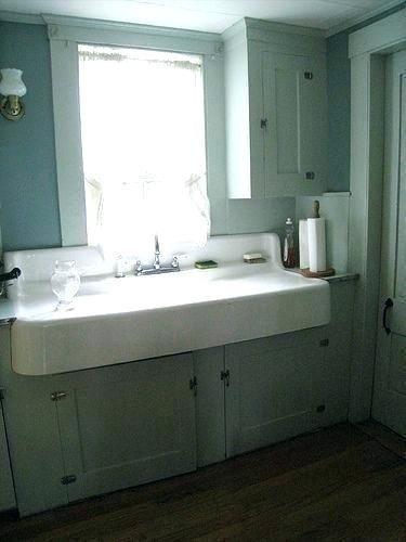 Farmhouse Sink With Drainboard And Backsplash Farmhouse Sink With Farm Sink With Antiquefarmhousesink Bac In 2020 With Images Farmhouse Sink Vanity Farmhouse Sink Farm Sink