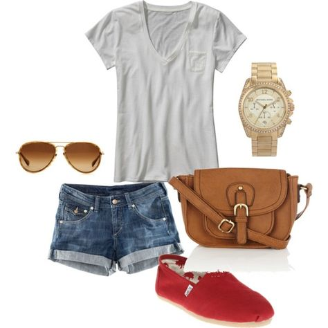 Great casual summer outfit to wear with colored toms