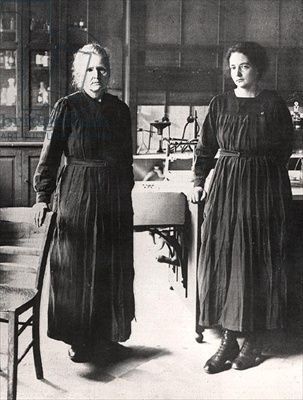 Madame Curie and her daughter, Irene, in their  laboratory, 1924 #gotitfrommymama